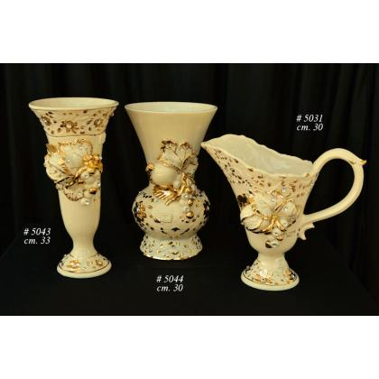 Picture Italian vases decorated with flowers