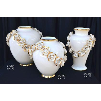 Picture Unique golden-white vase