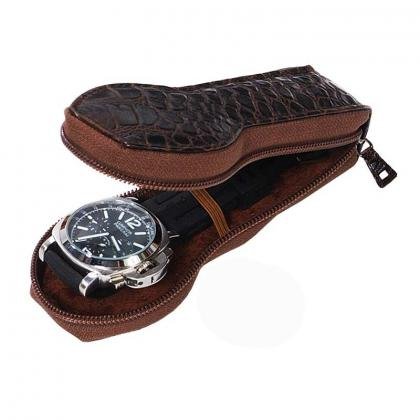 Picture Great-shaped watch case - Absolute Breton