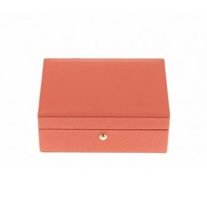Picture Exquisite jewelery box available in four different colors