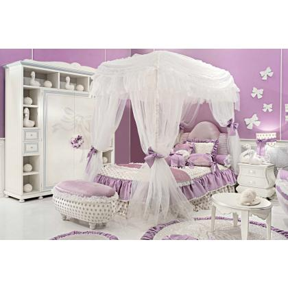 Picture Elegant bedroom with a canopy for girls