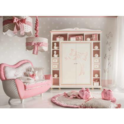 Picture Luxurious couch and wardrobe for a girl's room by Ebanisteria Bacci