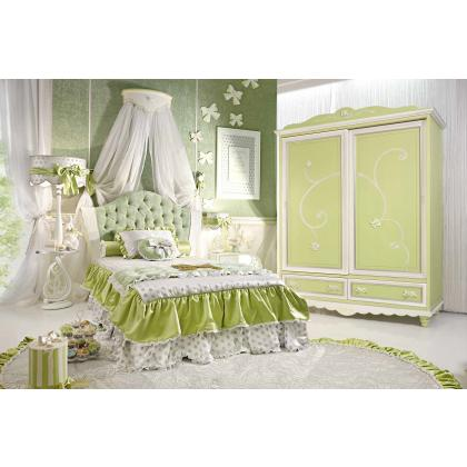 Picture Green fairytale-like room for a girl