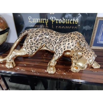 Picture Decorating for the living room - a beautiful golden leopard